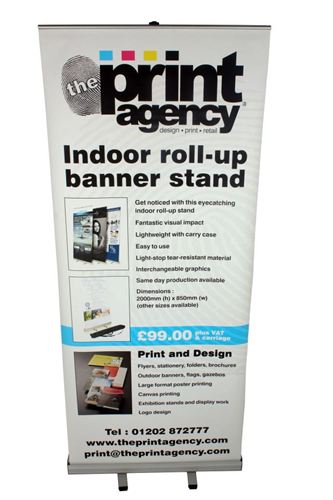 Indoor roll up stand